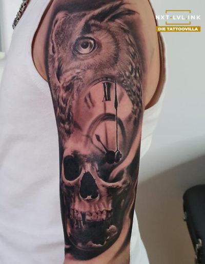 Nicole - Eule Uhr Skull